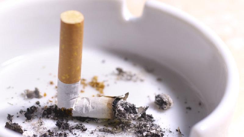 Hindari Beberapa Kebiasaan Yang Buruk Setelah Selesai Makan, Termasuk Merokok